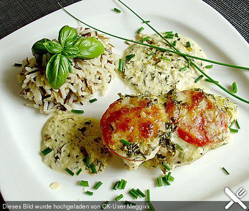 Hähnchenbrustfilet mit Tomate und Mozzarella in Kräuter - Sahne - Sauce