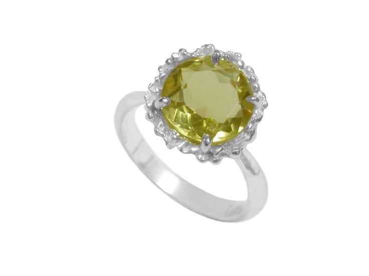 Ring with small Lemon Quartz