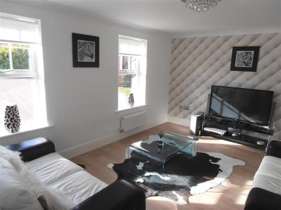42 Kingfisher Close  Family Room