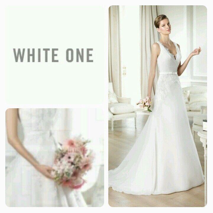 Vi har 2014 kjolene fra White One inne! #brudehuset #brudekjole