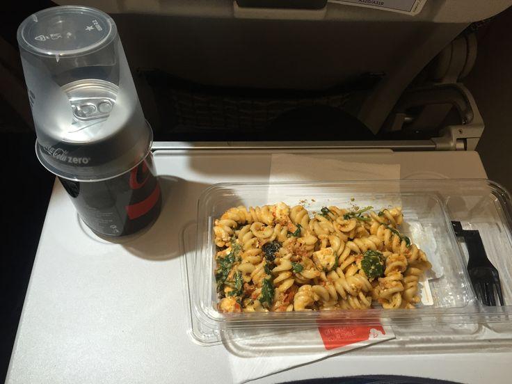 Brussels 2812, Prague – Brussles (economy BoB) Spirelli pasta salad with dried tomatoes, yogurt dressing, almonds and feta cheese