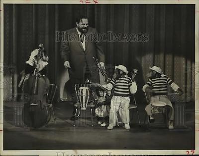 1961 Press Photo Al Hirt, The Marquis Chimps on The Ed Sullivan Show, CBS-TV