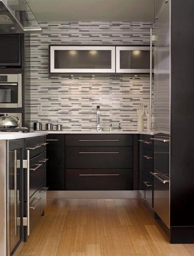 Love the tiled wall.  http://dupontsatinera.com.au/kitchen-ideas-inspiration/