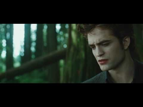 The Twilight Saga: New Moon's official movie trailer! Now adding the Volturi to the mix just too add a bit more chaos to Bella's life!