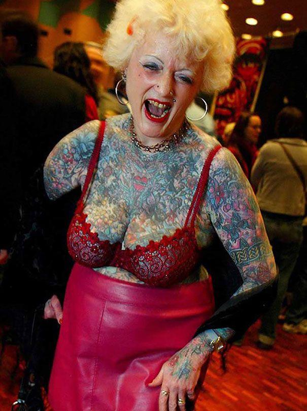 a-quoi-ressemblera-votre-tatouage-quand-vous-serez-vieux-personnes-agees-tatoues-34 A quoi ressemblera votre tatouage quand vous serez vieux
