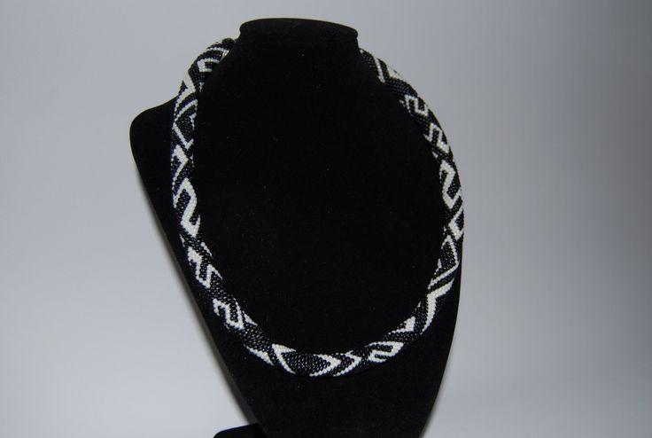 Black and White ZigZag Necklace made with TOHO beads by BeaduBeadu on Etsy