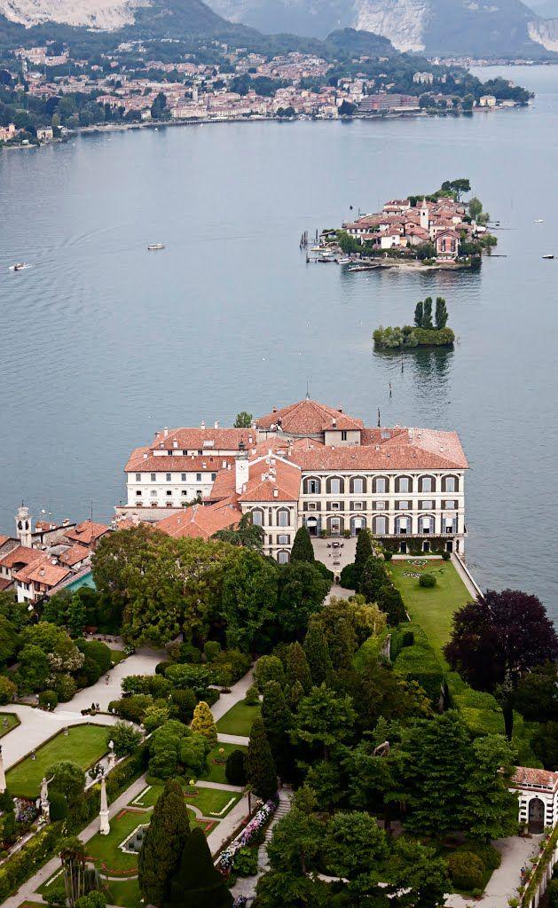 Isola Bella, scoglio della Malghera o isolotto degli innamorati e isola Pescatori, golfo Borromeo, giro in autogiro, Stresa giugno 2015
