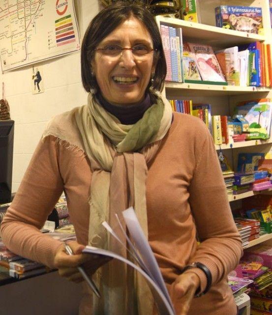 """Presentazione di """"Favole a colori"""" presso la libreria Voltapagina di Catania"""