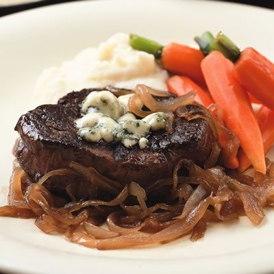Seared Steaks with Caramelized Onions and Gorgonzola #FiletMignonBlue Cheese Meat, Seared Steak, Caramel Onions, Food, Beef Dishes, Cookies Recipe, Gorgonzola Filetmignon, Gorgonzola Recipe, Dinner Recipe