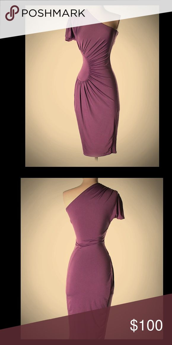 Asos cocktail dress Extremely flattering Asos dress in purple! Sexy circle scrunch on the side! Fantastic condition! Worn once ASOS Dresses One Shoulder