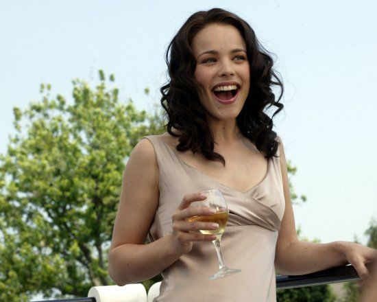 Rachel McAdams in the Wedding Crashers...thinking about her hair color..