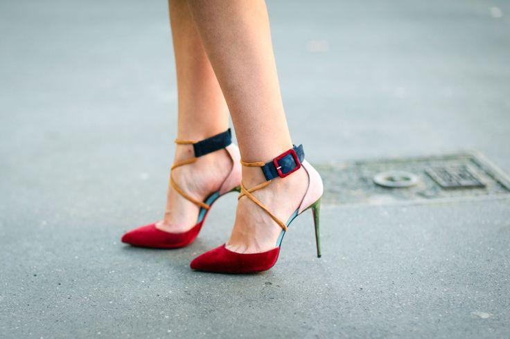 Louboutin, dove trovare online e a prezzi ottimi, le scarpe dalla suola rossa