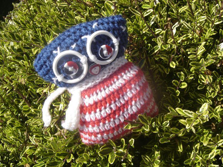 Chouette a lunettes USA crochetée main en laine acrylique : Accessoires de maison par jodestyl