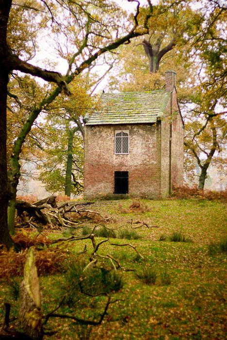 Forest Cottage | Cheshire, England                                                                                                                                                                                 Mais