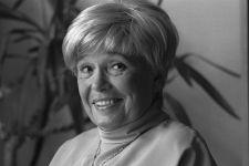 Иоанна Хмелевская - чудесная писательница, горячо любимая на всем постсоветском пространстве. Её умные иронические детективы любят и мужчины и женщины, ведь они отличаются от всех прочих книг данного жанра заразительным ...