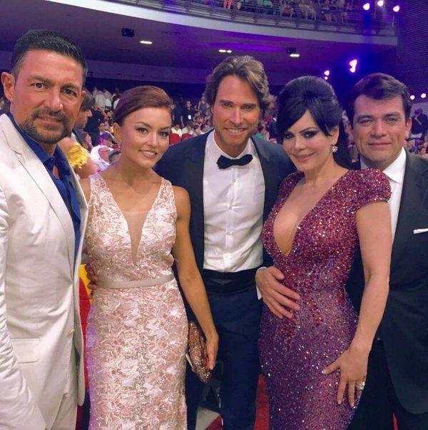 Premios TVyNOVELAS 2016 Fernando Colunga...Angelique Boyer...Sebastián Rulli...Elizabeth Álvarez,,y,,Jorge Salinas