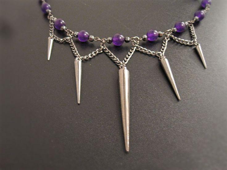 Collier gothique jade violet et pointes de la boutique TheAsaliahShop sur Etsy