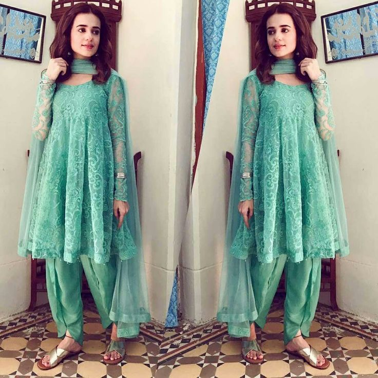 Sumbul Iqbal Looks Radiant in This Turquoise Outfit by Zahra Ahmed on the sets of her upcoming Drama. #SumbulIqbal #ZahraAhmadOfficial #SummerCasual #Outfit #PakistaniCelebrities