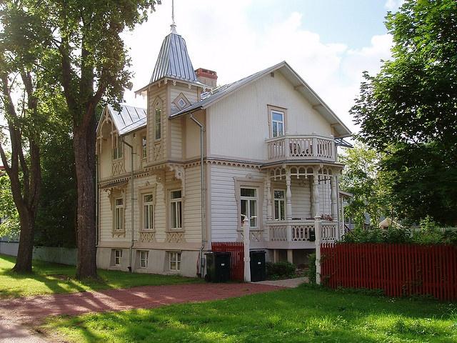 Vackert hus i Mariehamn, Åland Finland. by rariflora, via Flickr