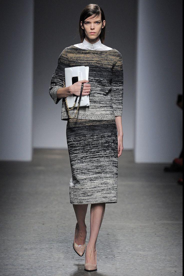 No. 21 Fall 2013 Ready-to-Wear Fashion Show - Meghan Collison