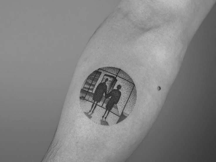 Handpoked!  Last scene from #fightclub tattooed at my friend @laramaju 's studio in Hamburg, @cocoschwarz ~You met me at a very strange time in my life~  #handpoked #handmade #handpushed #sticknpoke #stickandpoke #sticknpoketattoo #tattoo #tatuajes #tatuaggio #tatuagem #handpokers #tattrx #ink #inkstinctsubmission #handmade #dotwork #illustration #pointillism #blackworkers #bradpitt #movies #cinema #cult #cultmovies #blackworkers #tattooarmadasubmission #equilattera #art #arte…