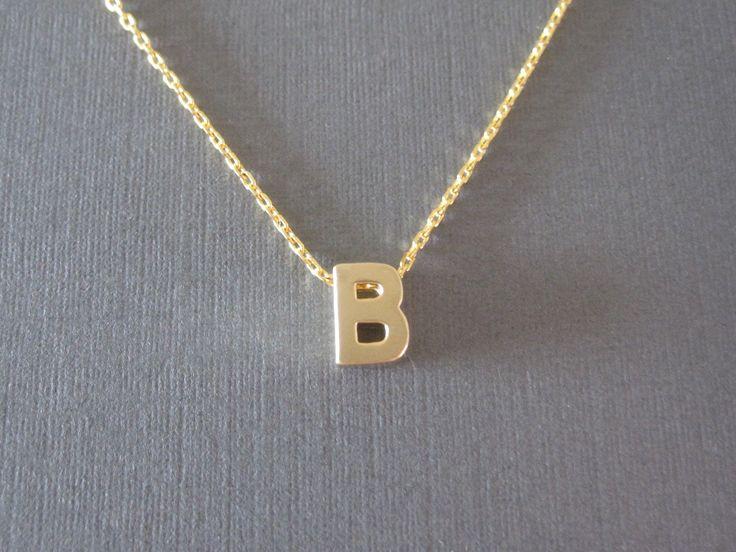 Collana di oro blocco lettera iniziale di BeasJewels su Etsy, $13.00