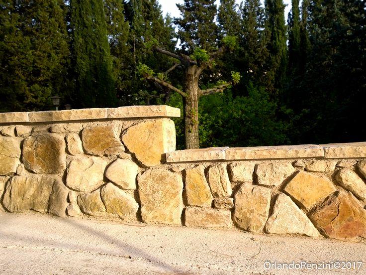 Rivestimento in pietra a spessore antica. Muratura ad opera incerta