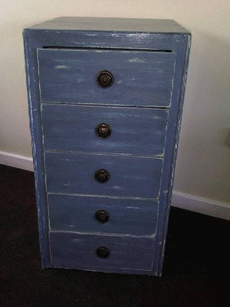 Wooden Chest of 5 Drawers  in antique shabby chic blue finish.