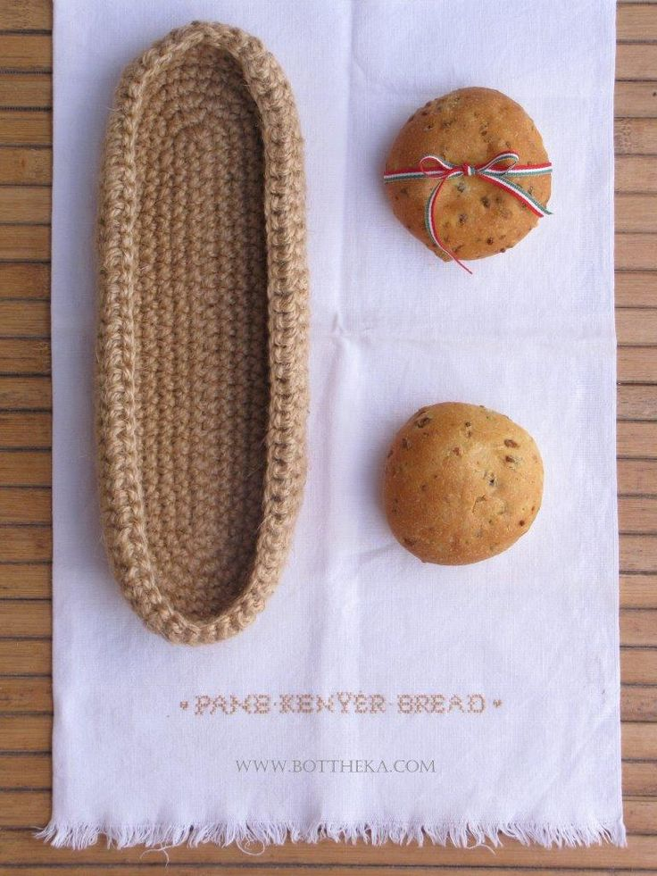The new bread, the crocheted hamp twine baguette basket and the BREAD cross stitch…http://bottheka.com/en/the-new-bread