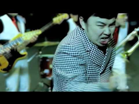 在日ファンク - きず  tiene un estilo raro para moverse, pero los ritmos son buenos y la canción también.