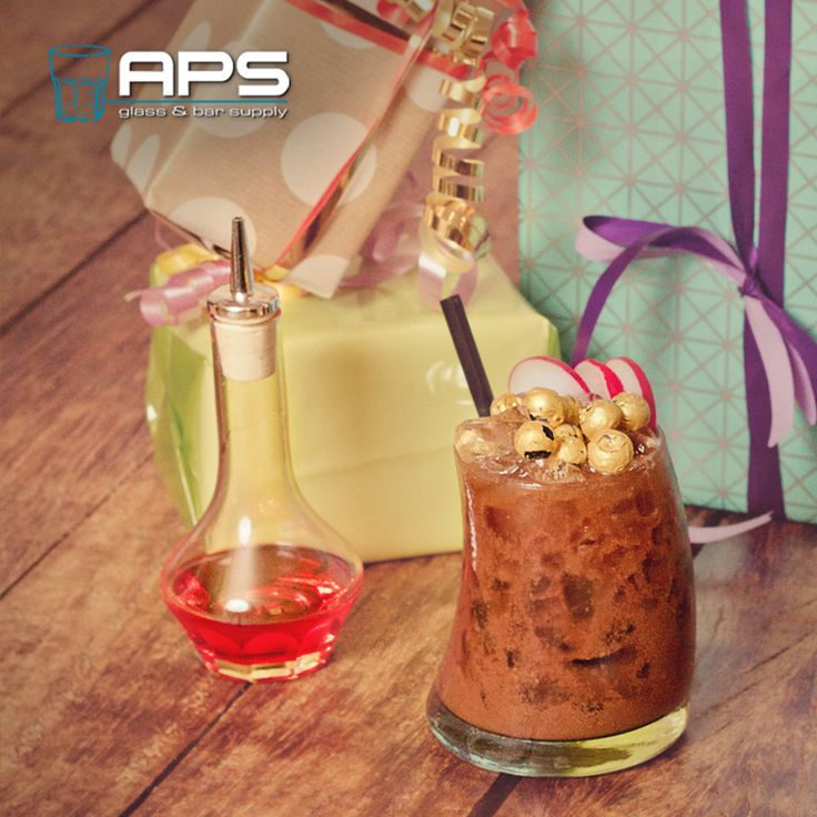 Alvast voor vanavond: Fijne sinterklaasviering allemaal!   #bar #inspiratie #mixology #glaswerk #glassware #aps #sinterklaas