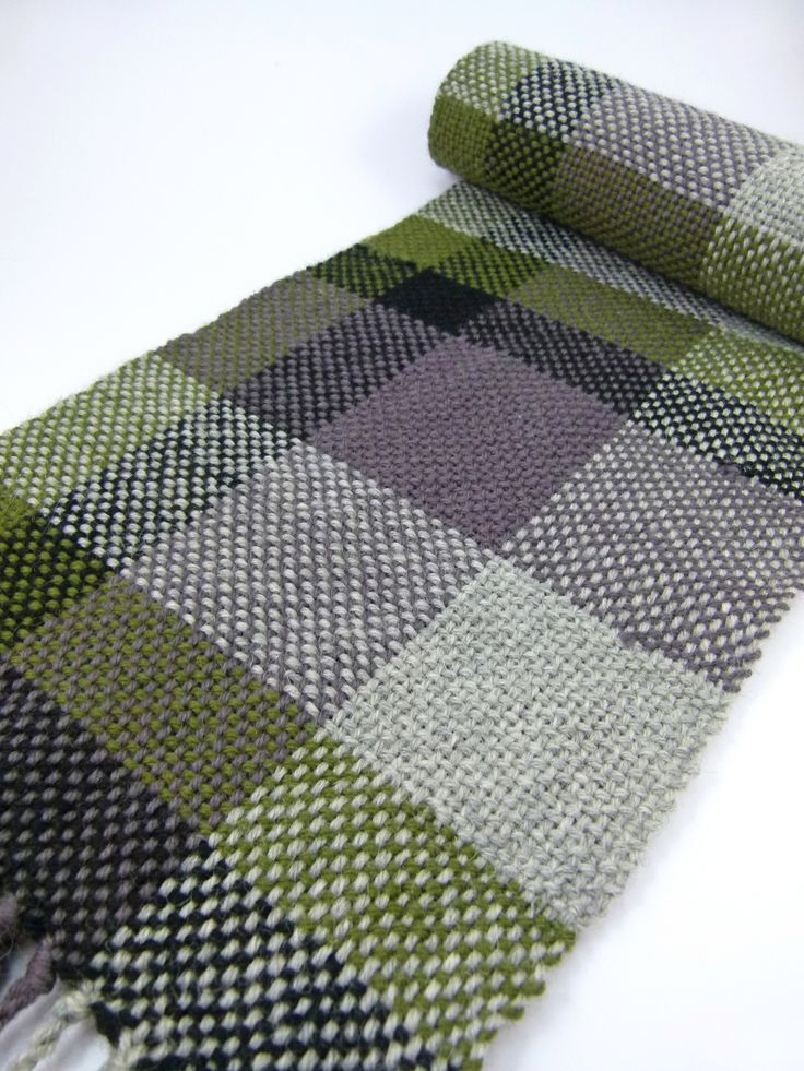 Plaid Woven Scarf | Weaving looms, Weaving patterns and Yarns