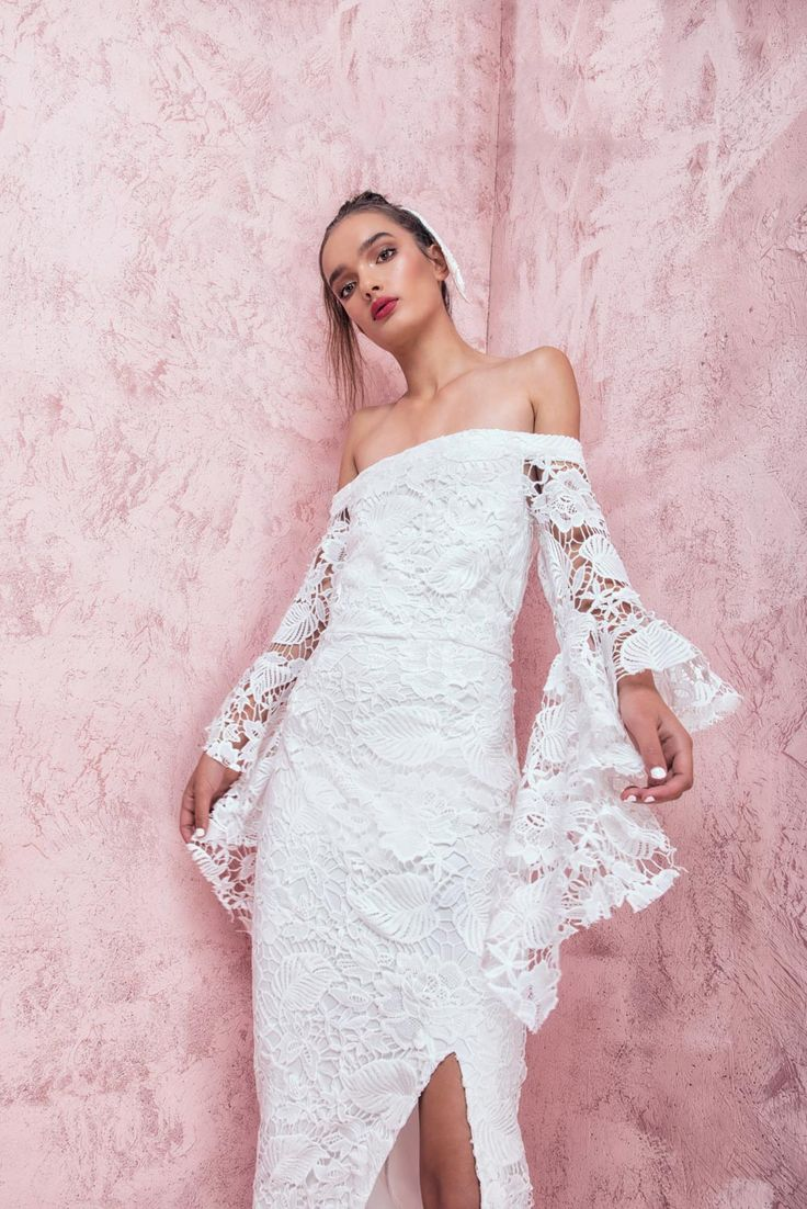 Casper and Pearl - Olivia Off Shoulder Horn Sleeve Lace Midi Dress In White