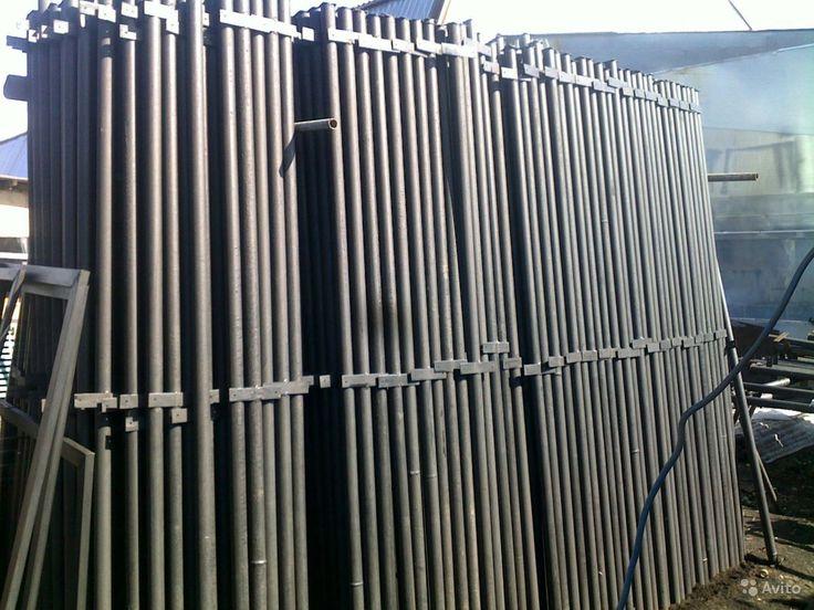 Столбы металлические. Бесплатная доставка  Калуга  Столбы с заглушкой сверху от попадания влаги, грунтованные от коррозии краскопультом. Вариант 1 :– столб с планкой. Высота : - 2.4 м; 3 м. Вариант 2: - столб с крючком.  Высота:- 2 м; 2.4 м; 3 м. А также :сетка Рабица, штакетник металлический , ворота, калитки, заборные секции. Доставка по России бесплатная (ДО МЕСТА)!  Консультация и приём заказов - по телефону! Работаем  ежедневно с 8.00 до 20.00