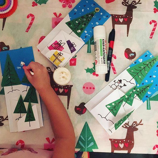 Делаем открыточки #кристюшины_развивашки #alexandra88filatova_чем_занять_ребенка #кристюше3г7мес #кристюшины_открытки