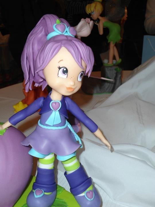 Cute Figure  Tortas, Figurines, Cupcakes, galletas y mas:  http://pinterest.com/jiguani/figurines/