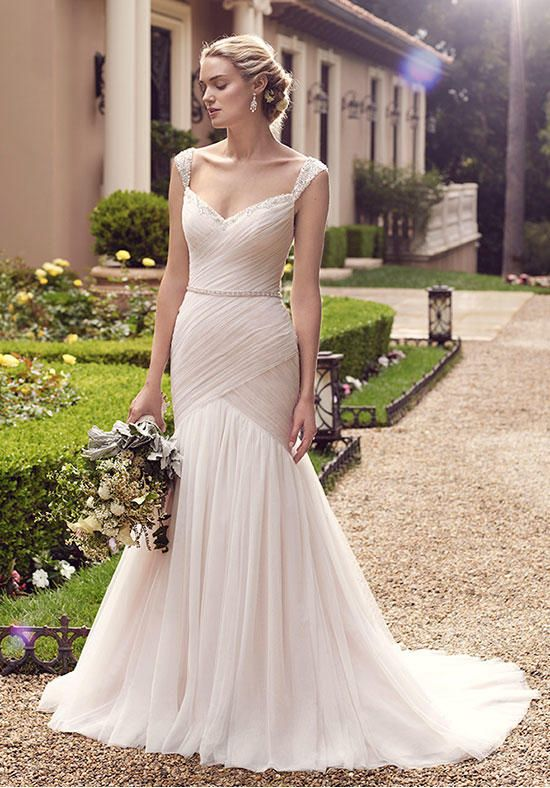 Best 25+ Ruched wedding dress ideas on Pinterest | Freshers ...