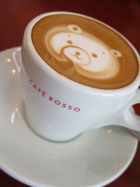 """I need to find a barista who can do this for me! """"Latte Bear! by Nagaremono. Amazing control by the barista."""""""