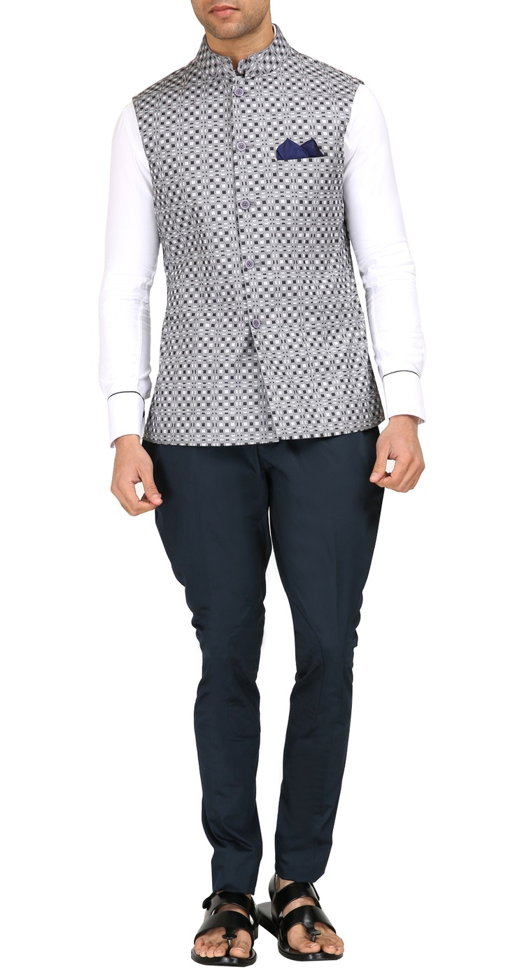 NJ 0078 Navy cotton breeches by RAGHAVENDRA RATHORE. Shop at https://www.perniaspopupshop.com/mens-shop/raghavendra-rathore-3984
