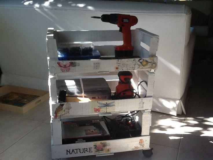 Organizador de herramientas con cajas de verdura