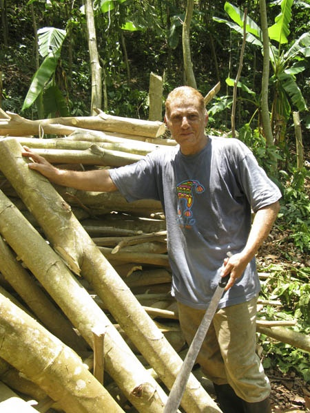 Even though we pruned trees from just 2 alleys today, it still produced a huge amount of firewood for Aladino and his family can use to for cooking.