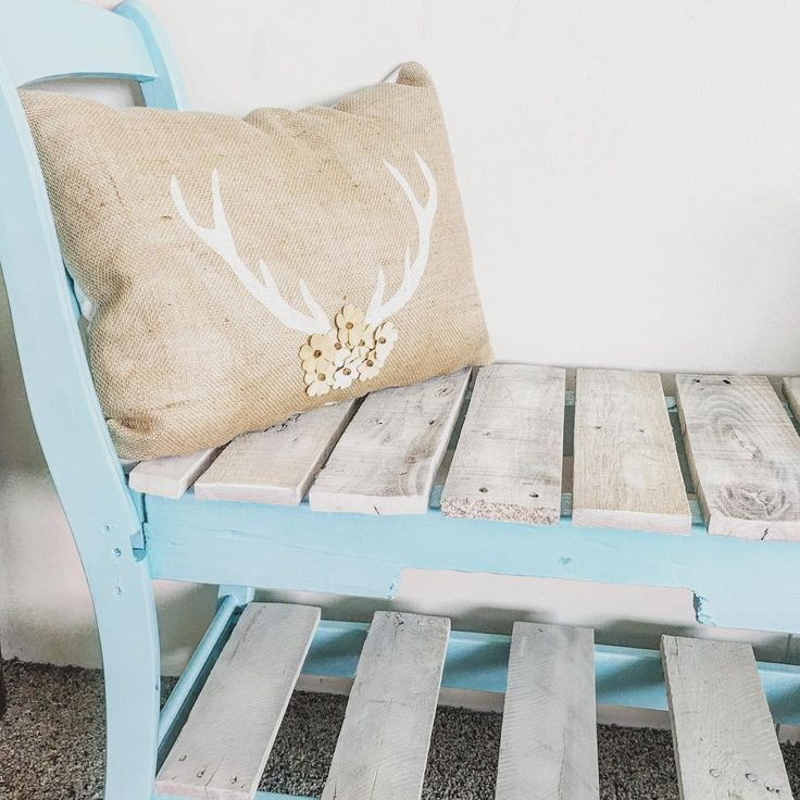 Cushion ideas with Pallet Bench
