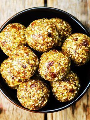 Kokos-Dattel-Bällchen aus nur 2 Zutaten (ohne Backen!)
