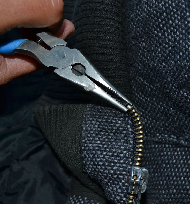∞HOW TO FIX A ZIPPER (NO REPLACE)∞