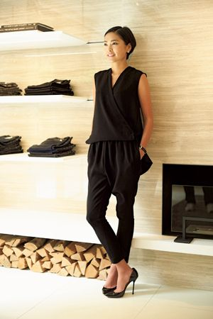 YOKO CHAN インタビュー。自分らしく、ワンランク上の女性になれる服。|定番ファッション(流行・モード)|VOGUE JAPAN