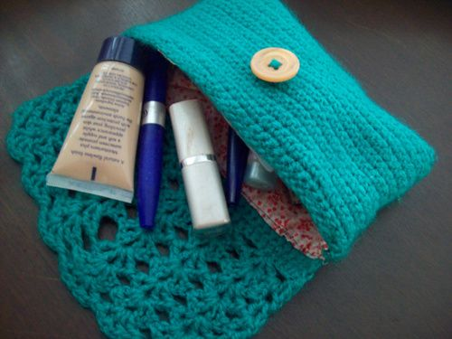 Cute Lined Crochet Cosmetics Bag Idea - no pattern - I think I can come up with something. :-)
