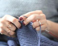 Venez découvrir comment tricoter en méthode continentale !! Je vous dévoile tout en vidéo en espérant que cela vous donnera envie de changer de méthode.