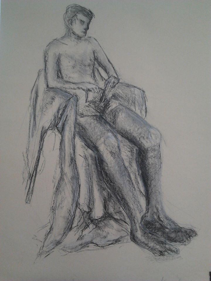Nadsázka figury (kresba přírodním uhlem a křídou)