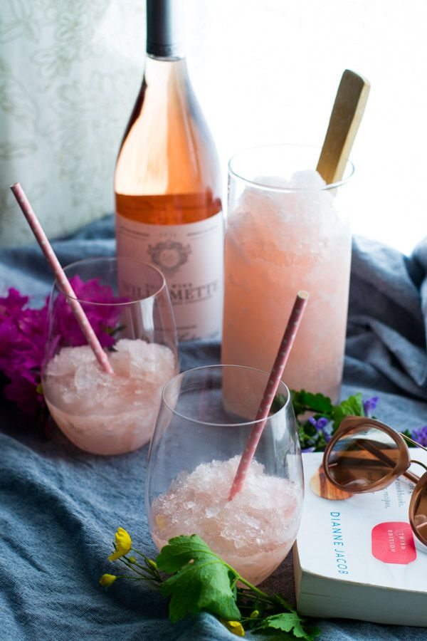 Lavender Peach Wine Slushies | All the goodness of Frosé with a sweet peach and floral lavender touch!