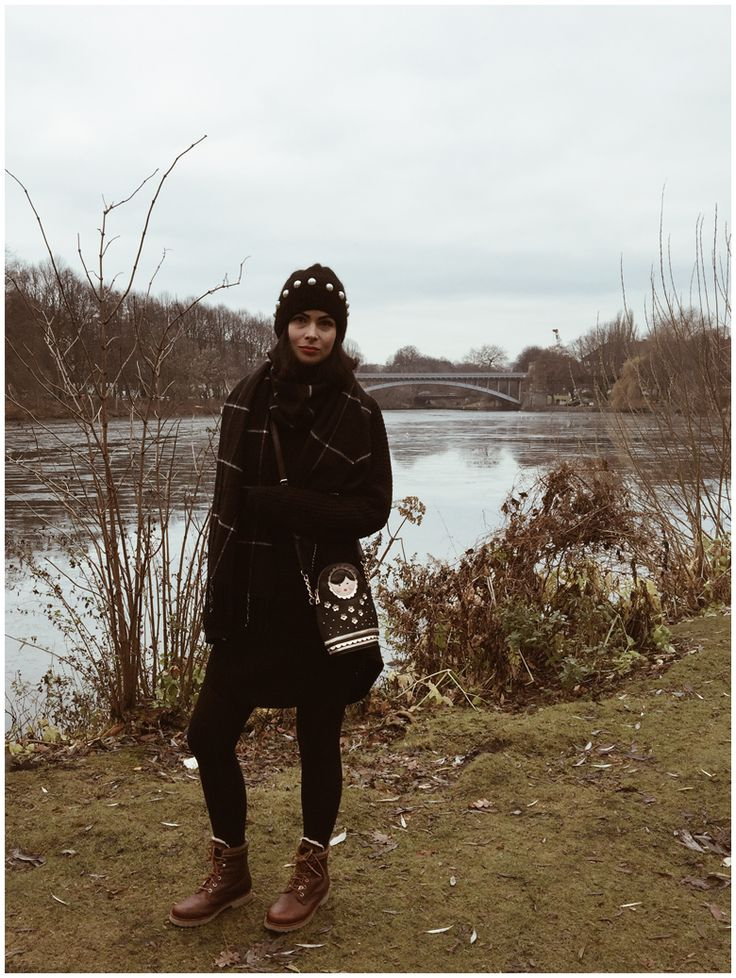 THE LAKE | June Gold wearing a black Gina Tricot dress, a black & Other Stories hat and brown Panama Jack winter boots  http://junegold.blogspot.de